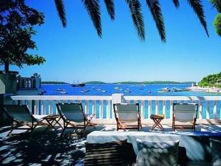 /it-it/amfora-hvar-grand-beach-resort/hotel/hvar-hr.html?asq=jGXBHFvRg5Z51Emf%2fbXG4w%3d%3d