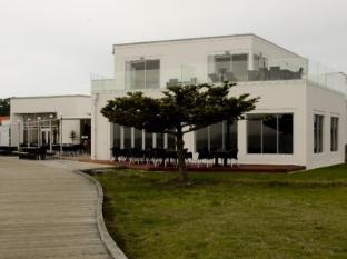 East Pier Hotel