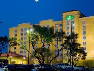/de-de/la-quinta-inn-suites-san-antonio-medical-center/hotel/san-antonio-tx-us.html?asq=jGXBHFvRg5Z51Emf%2fbXG4w%3d%3d