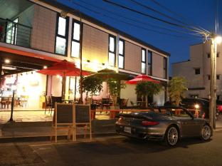 88st Guesthouse N Cafe