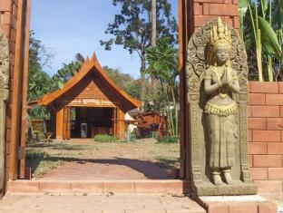 /bg-bg/malees-nature-lovers-bungalows/hotel/chiang-dao-th.html?asq=jGXBHFvRg5Z51Emf%2fbXG4w%3d%3d
