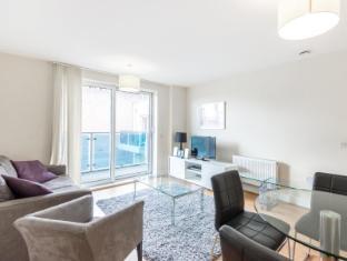 Modern Apartment West London