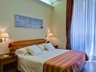 Crosti Hotel & Residence