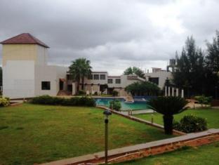 /bg-bg/cotton-county-resort-managed-by-the-verda/hotel/hubli-in.html?asq=jGXBHFvRg5Z51Emf%2fbXG4w%3d%3d