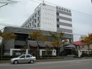 Baolong Homelike (Wusong Branch) Hotel