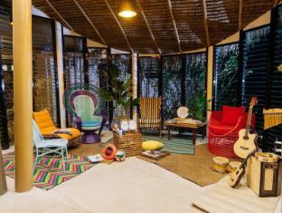 /bg-bg/spin-designer-hostel-el-nido/hotel/palawan-ph.html?asq=jGXBHFvRg5Z51Emf%2fbXG4w%3d%3d
